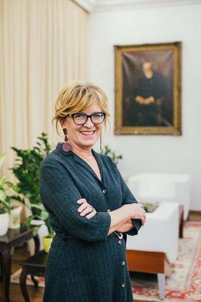 Dr. Handó Tünde