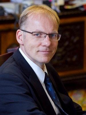 Dr. Darák Péter